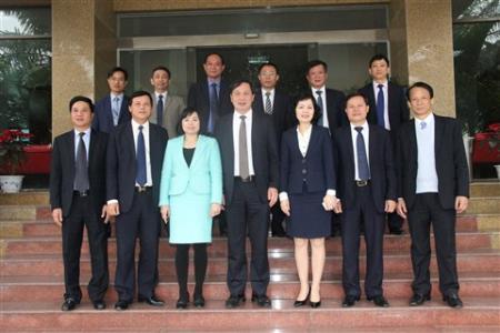 Phó Tổng Giám đốc Nguyễn Ngọc Cơ thăm và chúc Tết Công ty