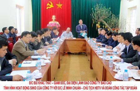 Chủ tịch HĐTV Lê Minh Chuẩn làm việc với Công ty than Hòn Gai