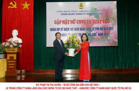 """Nữ CNVCLĐ than Hòn Gai với phong trào thi đua """"Hai Giỏi"""""""