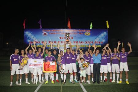 Sôi nổi giải bóng đá nam phong trào năm 2019 chào mừng kỷ niệm 90 năm ngày thành lập Công đoàn Việt Nam