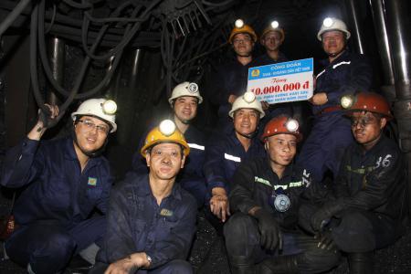 Công đoàn TKV thăm và làm việc tại Công ty Than Hòn Gai